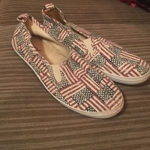 ICY flag print shoes sz 9