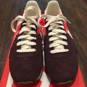 Nike Shoes - Women's Nike Pre Montreal Racer size 8