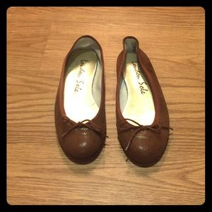 Brown/Cognac London Sole Flats