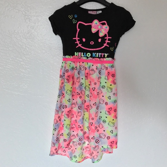 NWT Girl/'s Hello Kitty Tee 8 Hi-Low Tank White M Old Navy