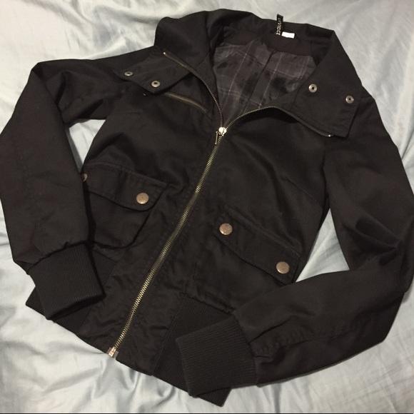 967ba55c7 H&M divided black bomber zip up jacket 2/S