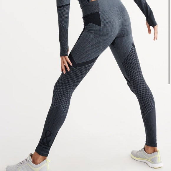 5889f1dcfce A&F perfect workout leggings