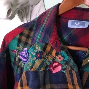 Tops - VINTAGE 90s grunge floral embroidered flannel M