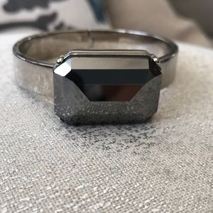 Silver and gray faceted square gem bangle