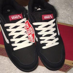 8d3d9927393a0 Vans Shoes - NEW VANS Baxter Black White Gum Skater Shoes 13