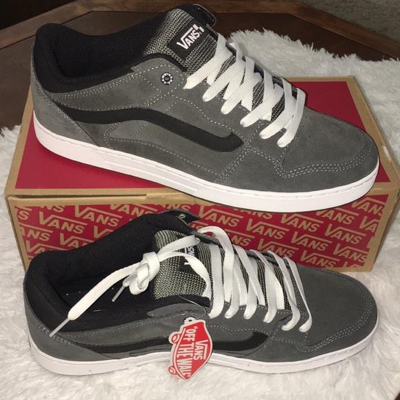 4ab38dfe37d41 NEW VANS Baxter Gray Black Gum Skater Shoes Sz 13.  M 59b556f04127d00354041b1a