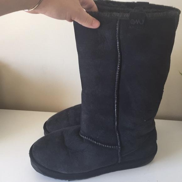 Emu Shoes - EMU Stinger tall black fur boots