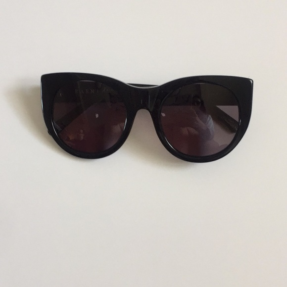 ded2fb5ce Raen Black Chunky Cat Eye Sunglasses. M 59b557c44127d0b6bf041e2d