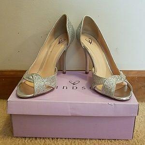 Windsor 8.5 silver sparkly glitter heels