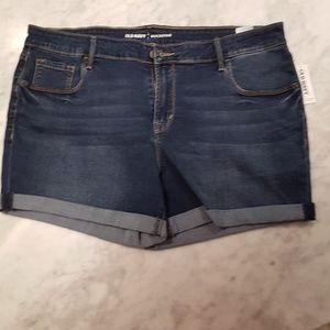 NWT Old Navy Rockstar cuffed denim shorts