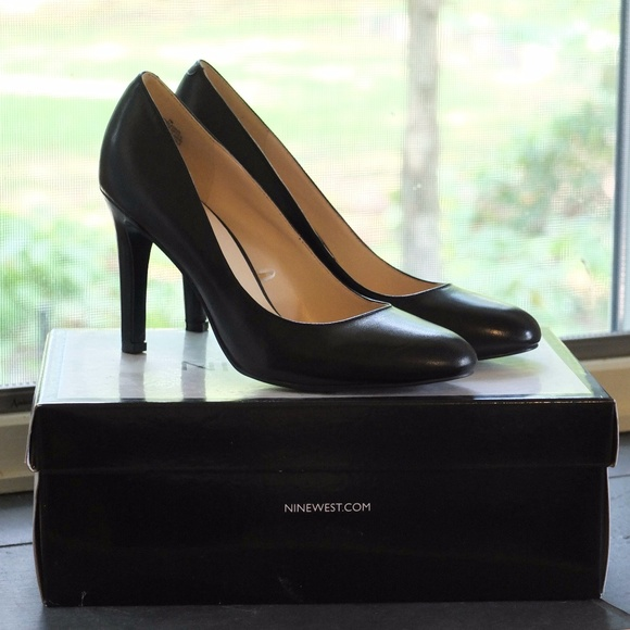 189491473a0 Nine West leather Gladius black pumps. M 59bda0cb99086a2c62050550