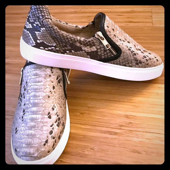 Vince Camuto Shoes   Sneakers Slip On