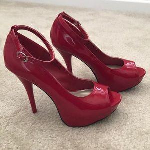 Sexy Diba red heels!