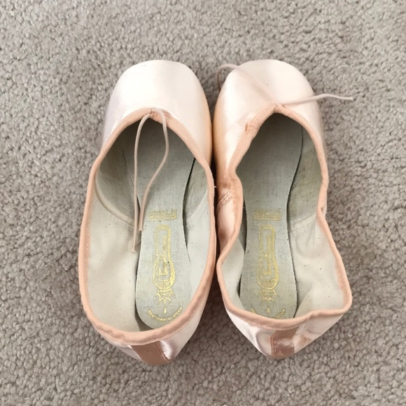 c478b92f45cd Freed Pointe Shoes  Classic Wingblock