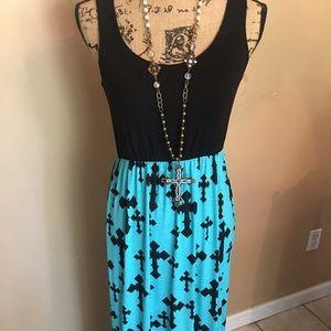 Dresses & Skirts - Cross print maxi dress
