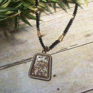 Jewelry - ✨NEW Listing✨Boho folk shell necklace - white