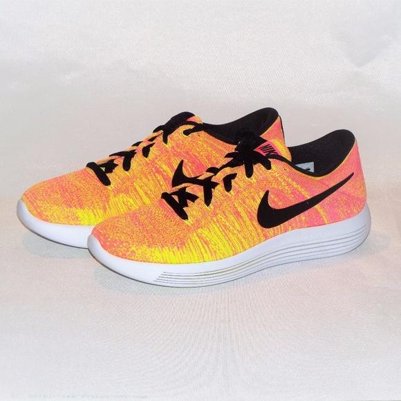 8f77f47c31ddf Women s Nike Lunarepic Low Flyknit OC