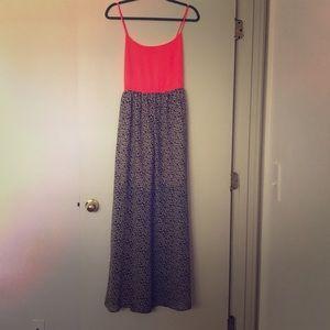 Maxi dress, cross back. Hot pink w/leopard print