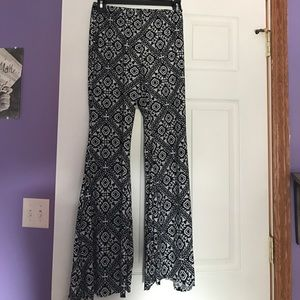 Akira black and white 70's pants, fit and flare