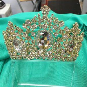 🐠 Dora Tiara - Gold w/ Clear Crystals