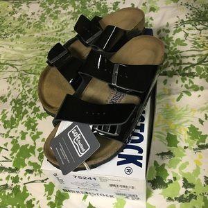 0474c8faf312 Birkenstock Shoes - Birkenstock Arizona Soft Footbed Black Patent 39N