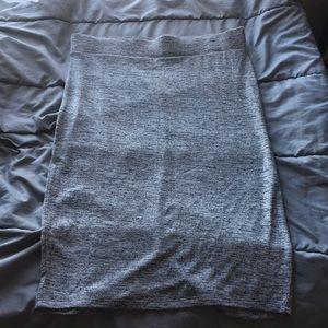 Dresses & Skirts - Elastic waist midi pencil skirt