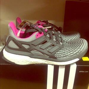 Zapatillas adidas Energy Boost tamaño 75  mujer poshmark