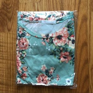 Tops - NEW Mint Poppy Floral Tshirt
