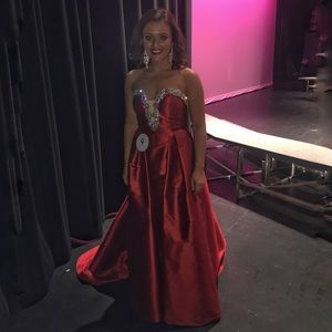 Dresses & Skirts - Custom-made Red evening gown for Prom or Pageant