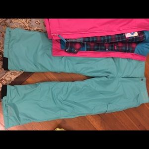 Columbia snow pants! Great for skiing!
