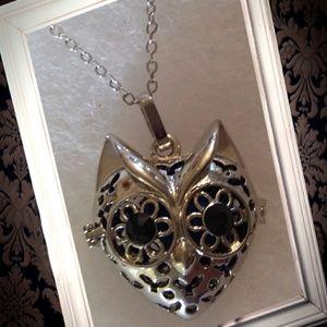 Jewelry - Fox essential oil diffuser necklace