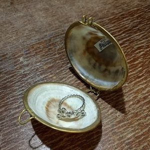 Tiny Shell Pill or Ring Holder