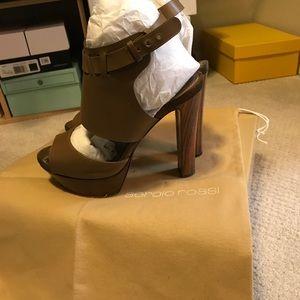 Sergio Rossi structured tan heels