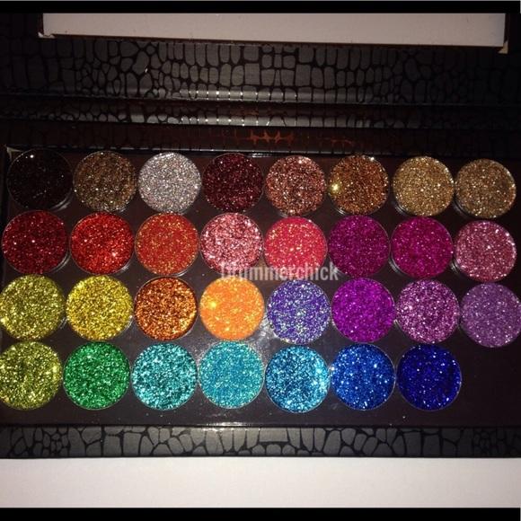 🆕Pressed Glitter eyeshadow singles Boutique