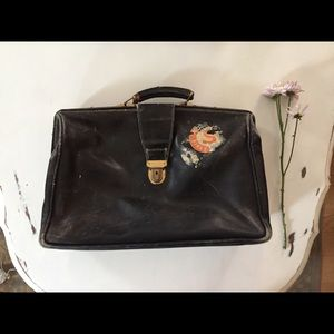 Handbags - Vintage leather travel bag/ laptop bag