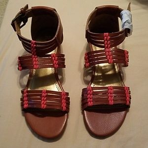 REPORT Brown low wedge strappy sandals.