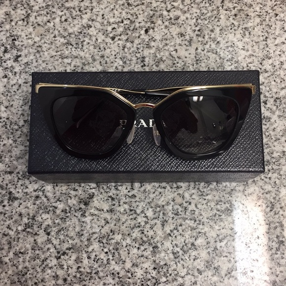a39124a5dfc PRADA Authentic PR 53SS Sunglasses (Like New)