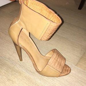 L.A.M.B. Nude/Tan Leather Heels