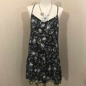 aac086b71c Vera Wang Dresses - princess vera wang M strappy boho flowy chic dress