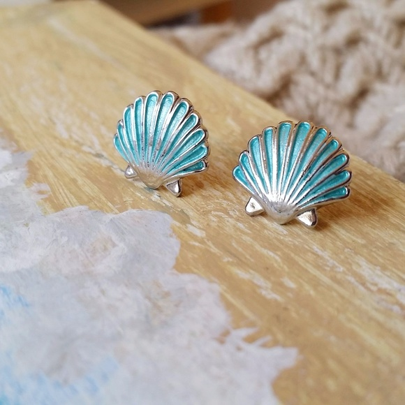 Jewelry - Bright Aqua Shell Studs