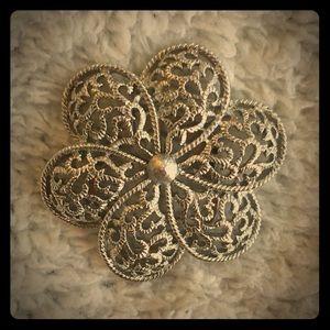 Vintage clip on silver lattice broach.