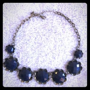 Jewelry - Blue plastic floral necklace