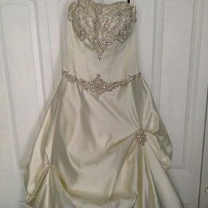 Carrie's Bridal