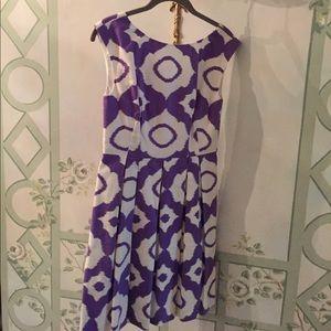 Shoshanna dress size 4 side pockets fully lined
