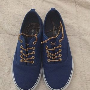 Old Navy Youth Sneaker