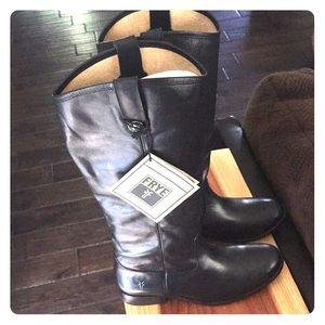 Frye Melissa Button Boots size 9