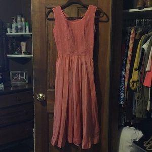 Dresses & Skirts - Flowy Pink Dress