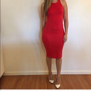 Dresses & Skirts - Red Sleeveless Midi Dress