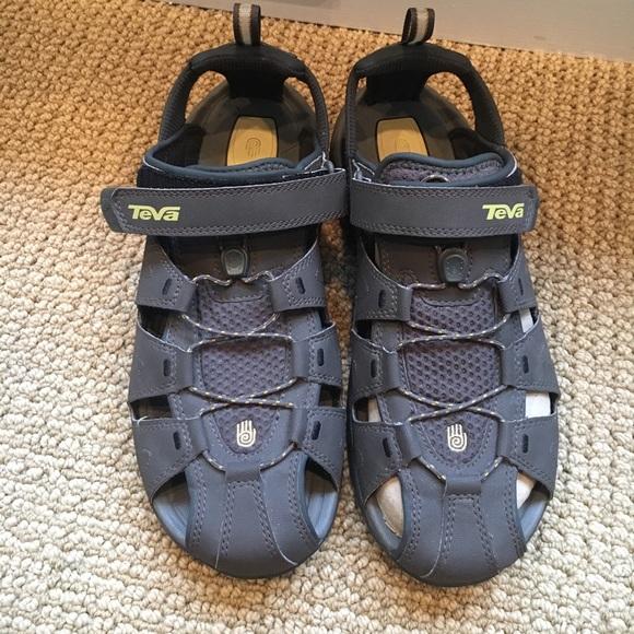 c5c8948f6b75 Teva Duster sport Sandals. M 59b6bd463c6f9fde0a092a07