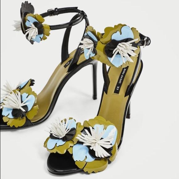 ce4f3cd6b823 Zara High Heel Sandals with Floral Details